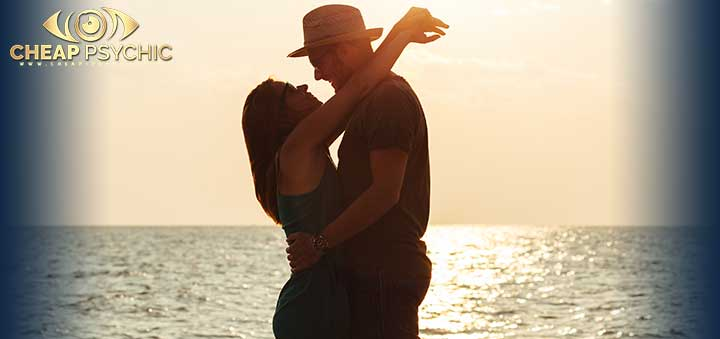 Ease Relationship Concerns with a Love Reading - Cheap Psychic